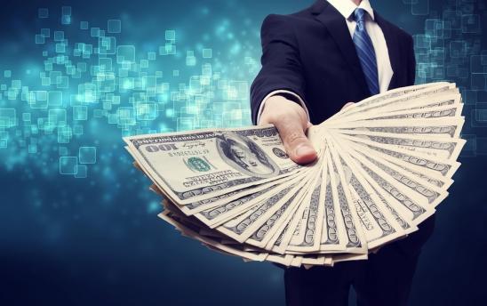 Czym są eksperymenty biznesowe i jakie finansowanie pierwszego biznesu wybrać